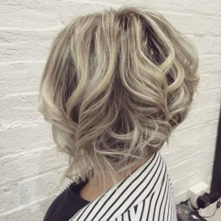 4-curly-inverted-bob-hairstyle